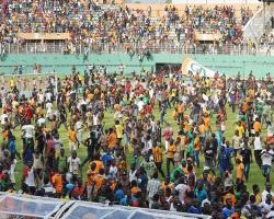 Fildişi – Kamerun maçına seyirci damgası! Saha içi karıştı…